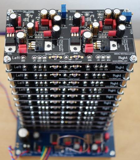 DDDAC1794 12 deck op audiorek(3)