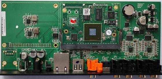Elac Discovery   audiostreamer binnenkant (2)