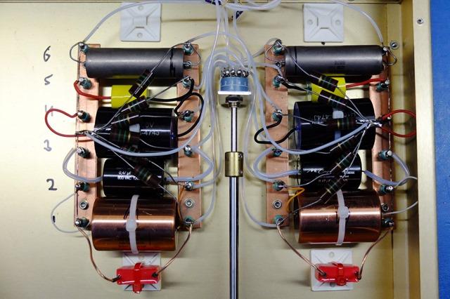 capacitor comparator